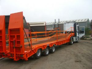 access trailer with twin fall arrest edge protection