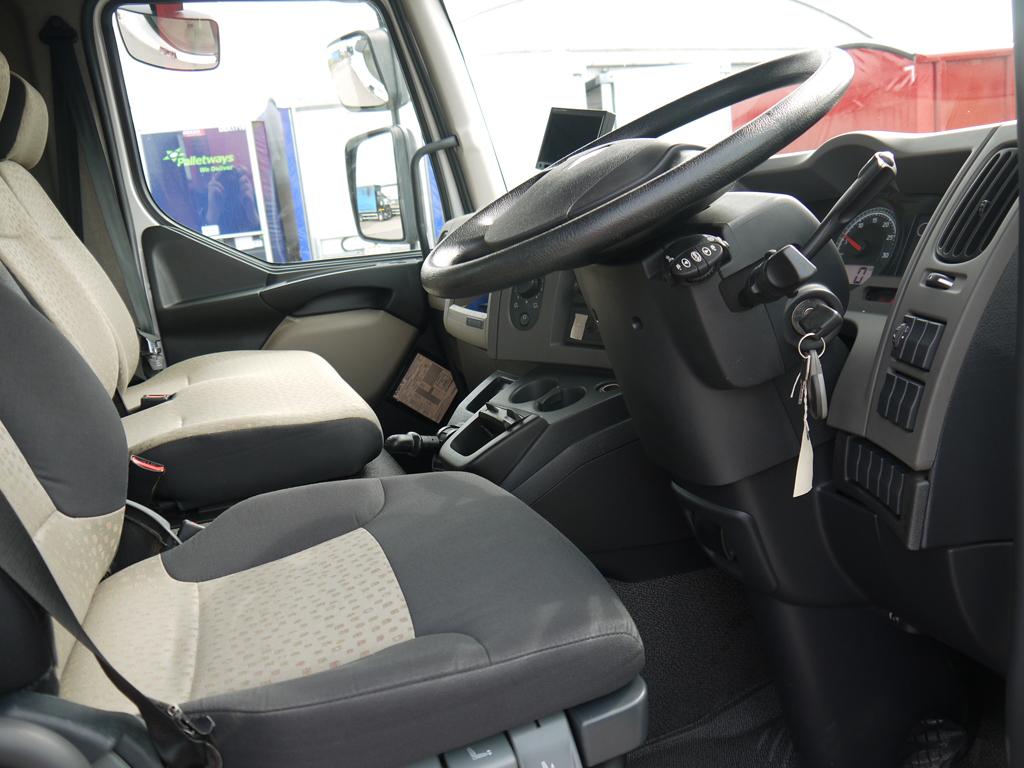 18t Renault (4)